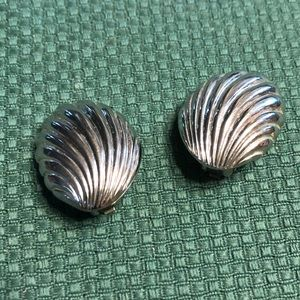 Vintage silvertone shell earrings